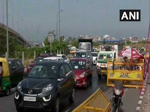 Traffic congestion at Delhi-Ghaziabad border near Ghazipur on Saturday. [Photo/ANI]