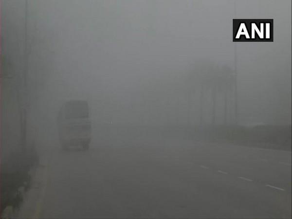 Fog engulfed Delhi [Photo/ANI]