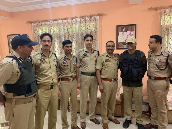 Jammu Kashmir DGP Dilbagh Singh visited Baramulla on Friday and felicitated the Shaurya Chakar awardee Head Constable Subhash Chander.