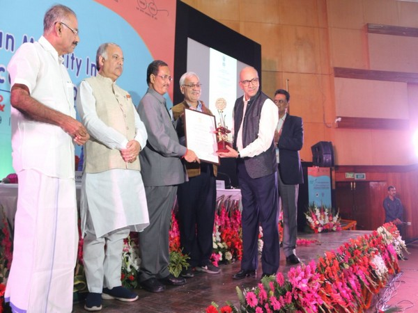 DMRC conferred with two awards at the 12th Urban Mobility India Conference and Expo 2019 in Lucknow. (Photo Credits: DMRC)