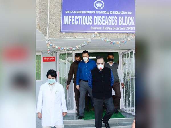 Baseer Khan, Advisor to J-K's LG, inaugurating the 50-bed Infectious Disease Block facility at Skims Soura in Srinagar. Photo/ANI