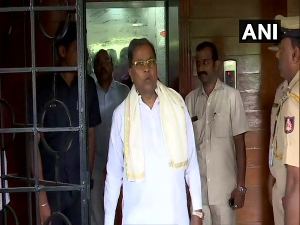 Congress leader Siddaramaiah going to attend the CLP meeting in Bengaluru on Tuesday. Photo/ANI
