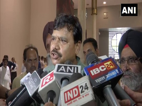 MP state minister Pradhyumn Singh Tomar speaking to media on Saturday. Photo/ANI