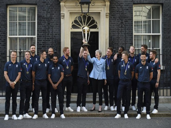 England cricket team with UK Prime Minister Theresa May (Photo/ England Cricket Twitter)