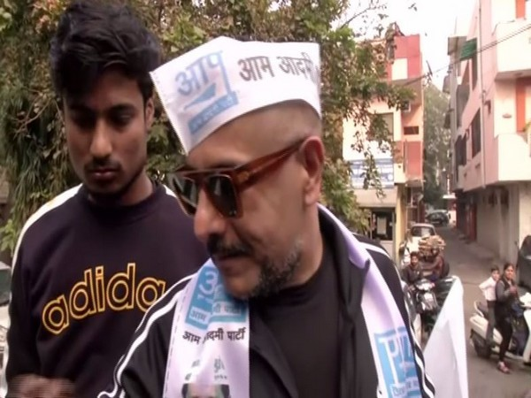 Bollywood music director Vishal Dadlani speaking to reporters in New Delhi on Tuesday. Photo/ANI