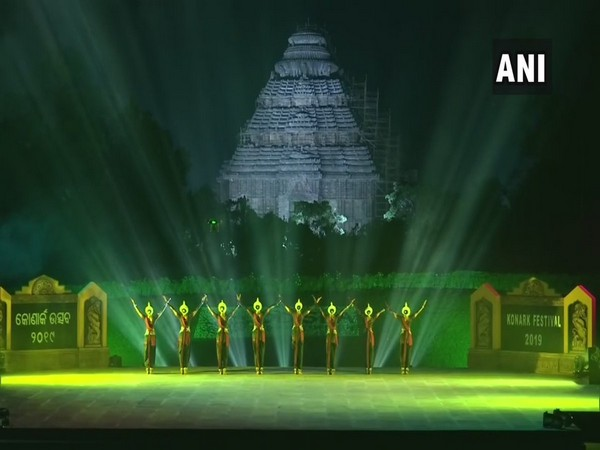 Konark festival begins with classical dances like Odissi and Kathak commenced after Odisha Governor Ganeshi Lal lightened the lamp. (Photo/ANI)