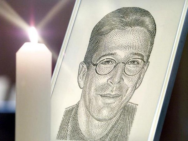 Daniel Pearl was abducted and beheaded in Pakistan in 2002 while he was investigating links between ISI and Al-Qaeda.