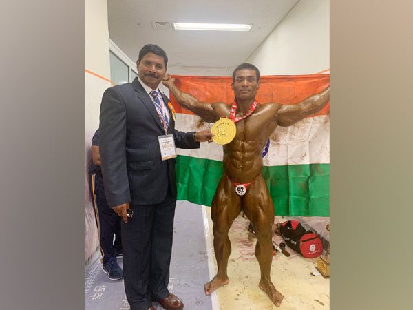 Havildar Th Dayanand Singh (Indian Army Node) with Lieutenant Colonel Srinivasa Rao, Manager