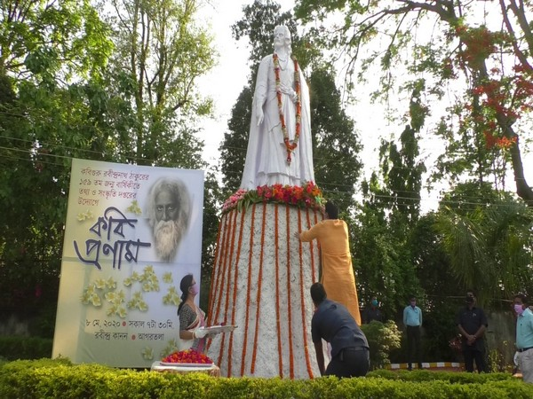 Tripura Chief Minister Biplab Kumar Deb paying floral tribute to Rabindranath Tagore in Agartala on Friday. Photo/ANI