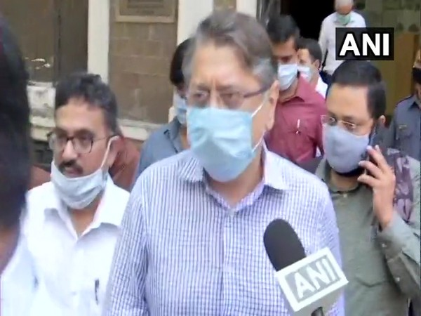 Deepak Kochhar being taken to a special PMLA court by the ED. [Photo/ANI]