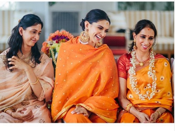 Actor Deepika Padukone with her mother and sister (Image Source: Instagram)