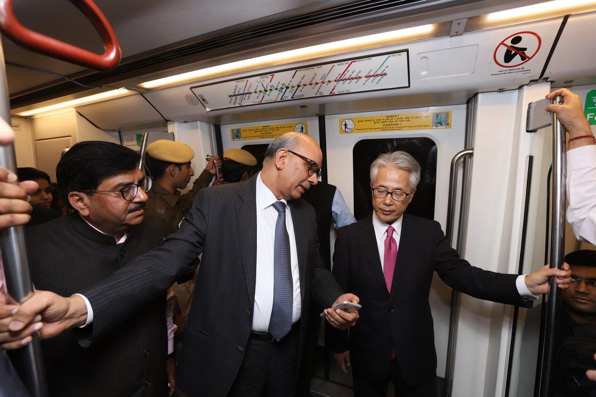 Japanese ambassador to India Satoshi Suzuki and DMRC MD Dr Mangu Singh inside a Delhi Metro train on Yellow Line (Photo Credits: DMRC)