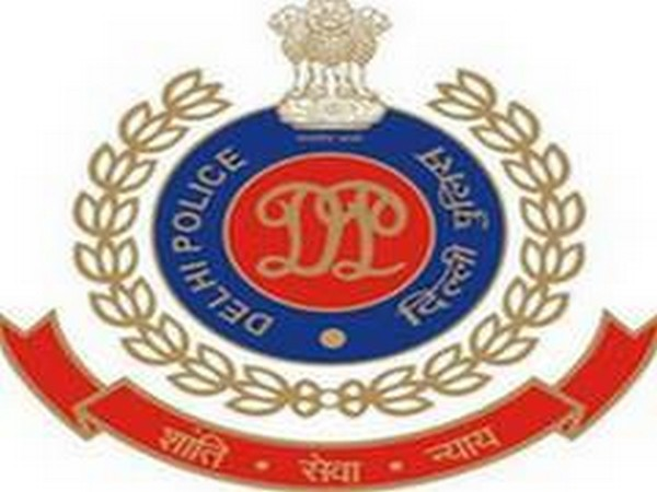 Delhi: Two arrested for manhandling police personnel on duty