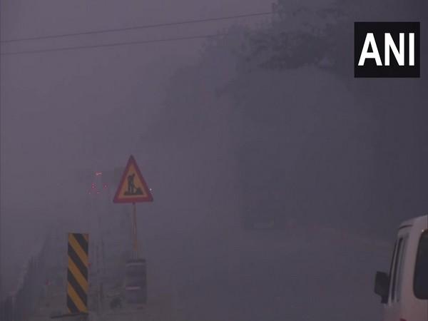 Fog engulfs SInghu Border in Delhi (Photo ANI)
