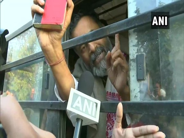 Swaraj Abhiyan's Yogendra Yadav detained by the police from the Delhi Gate where protesters had formed a human chain against the CAA on Thursday. Photo/ANI