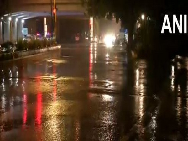 The India Meteorological Department (IMD) has predicted moderate to heavy spell of rain at few places over the national capital till 1 am on Tuesday. Photo/ANI