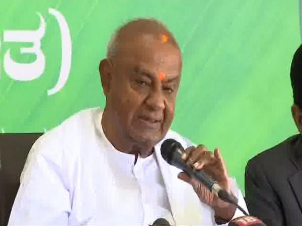 JDS leader HD Devegowda (File Photo)