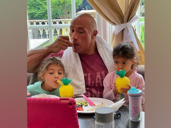 Dwayne Johnson with daughters Tia and Jasmine (Image source: Instagram)