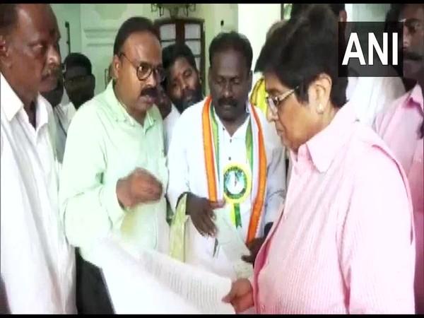 Suspended Congress MLA M Dhanavelu meets Lieutenant Governor Kiran Bedi