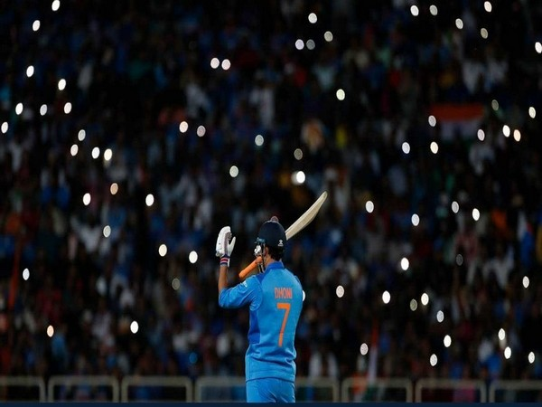 Former India skipper MS Dhoni (Photo/Virender Sehwag Twitter)