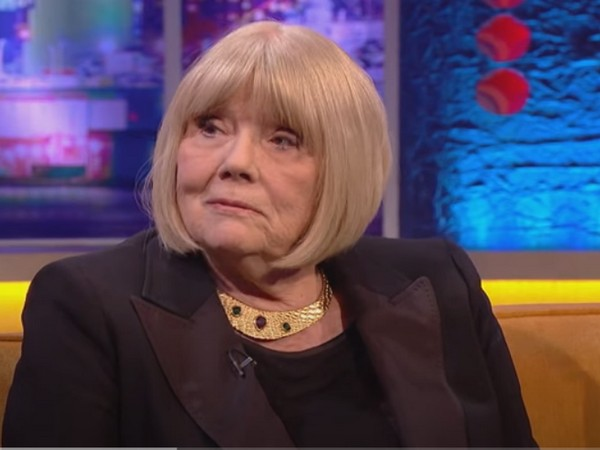 Actor Diana Rigg when appeared as a guest in 'The Jonathan Ross Show' (Image source: YouTube)