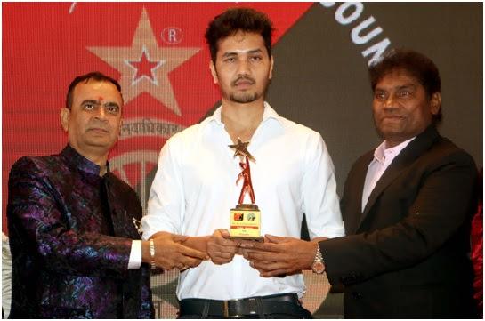 Sudhanshu Kumar honoured by Yogesh Lakhani Bright Outdoor and Johnny Lever