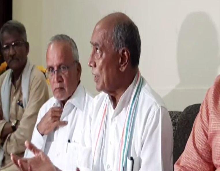 Congress Rajya Sabha MP Digvijaya Singh speaking to reporters in Sehore, Madhya Pradesh, on Saturday. Photo/ANI