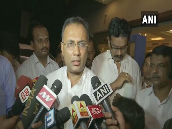 Karnataka Congress chief Dinesh Gundu Rao while speakingto media persons in Bengaluru, Karnataka on Wednesday. Photo/ANI