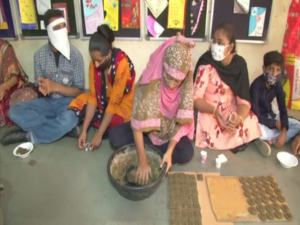 Rashtriya Kamdhenu Aayog organizes Deepawali Abhiyaan for orphan children