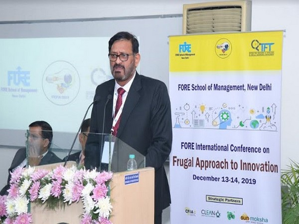 Dr Jitendra K Das speaking at the Center for Research and Innovation in Frugal Technology Management.