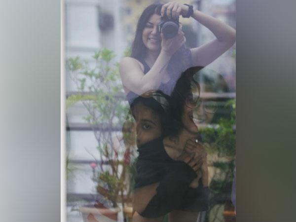 Sushmita Sen with daughters Renee and Alisah (Image source: Instagram)