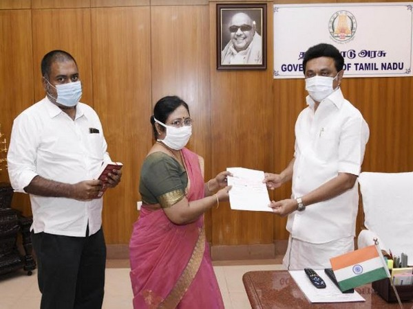 Dr Latha Rajendran and Dr Kumar Rajendran handed over Rs 10 Lakhs to TN CM MK Stalin for TN CM's Public Relief Fund