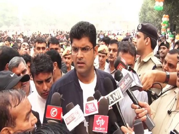 Dushyant Chautala inaugurated the 'Run for Unity' event in Gurugram on Thursday.