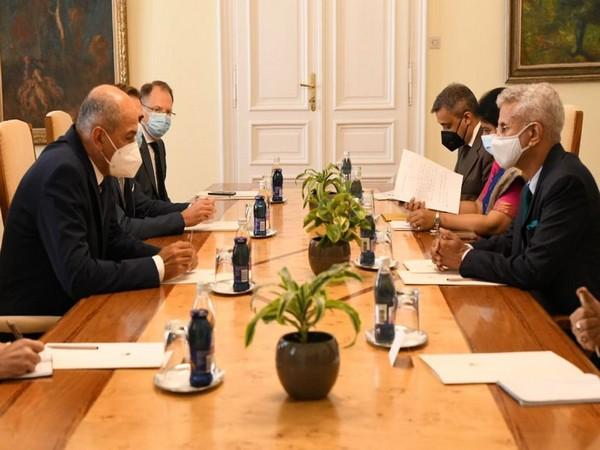 Jaishankar meets Slovenian PM, discusses bilateral ties between countries [Image: Twitter@DrSJaishankar]