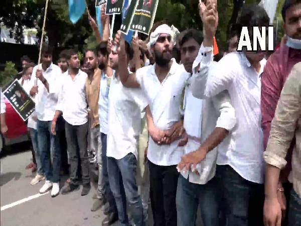 Protesting NSUI members (Photo/ANI)