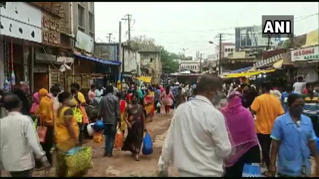 Visual from  Hubli market. (Photo/ANI)