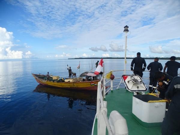India Coast Guard Interceptor Boat C-412 rescued FB Kalamma with 05 crew