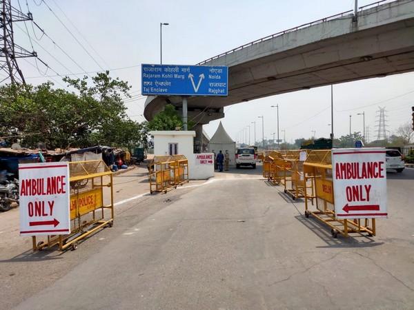 Extreme left lane on Delhi roads (Image: Tweeted by Delhi Police)