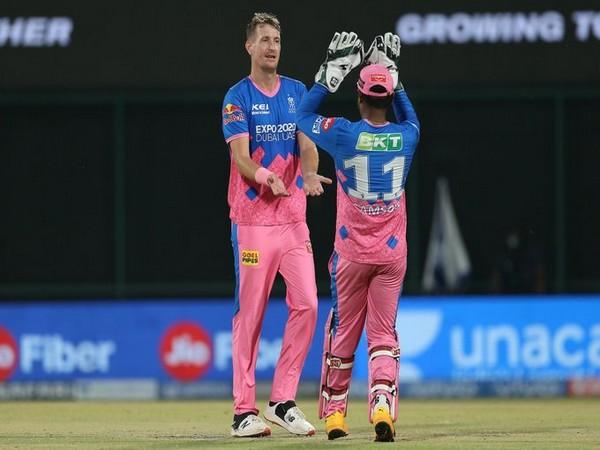 Chris Morris with Sanju Samson (Photo/ IPL Twitter)