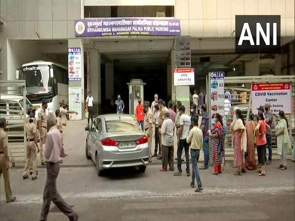 Vaccination centre at Kohinoor public parking, Dadar, Mumbai (Photo/ANI)
