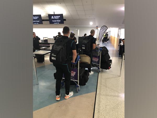 Kiwi contingent depart for UK (Photo/ BlackCaps Twitter)