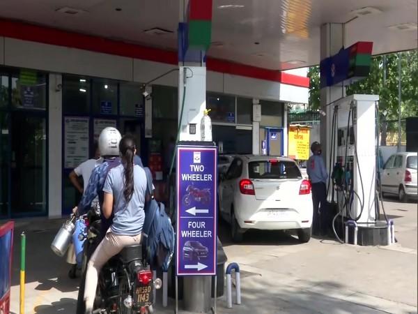 Petrol Pump at Singhu Border (Photo/ANI)
