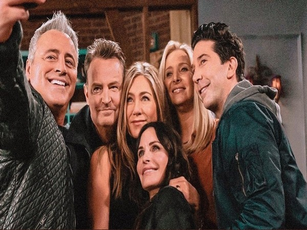 'Friends' star cast (Image courtesy: Twitter)