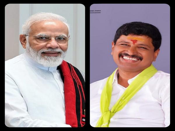 PM Modi and Santosh Kumar (Pic credits: Santosh Kumar Twitter)
