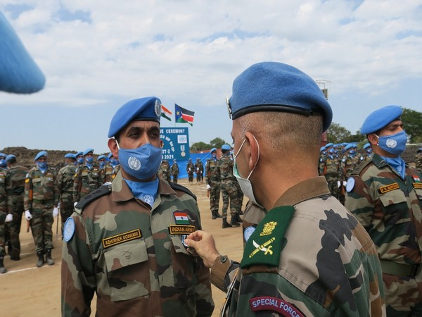 Indian peacekeepers receiving UN medals for outstanding service in South Sudan (Source: UNMISS/Twitter)