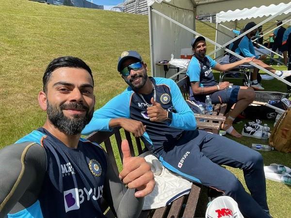 Kohli with Siraj and Ishant (Photo/ Virat Kohli Twitter)