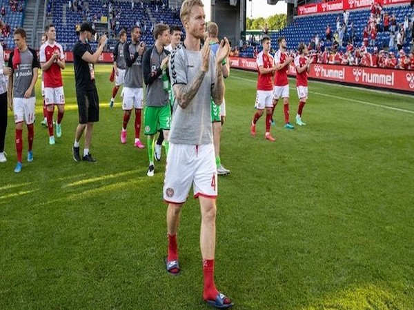 Simon Kjaer along with Denmark teammates (Photo/ Simon Kjaer Twitter)