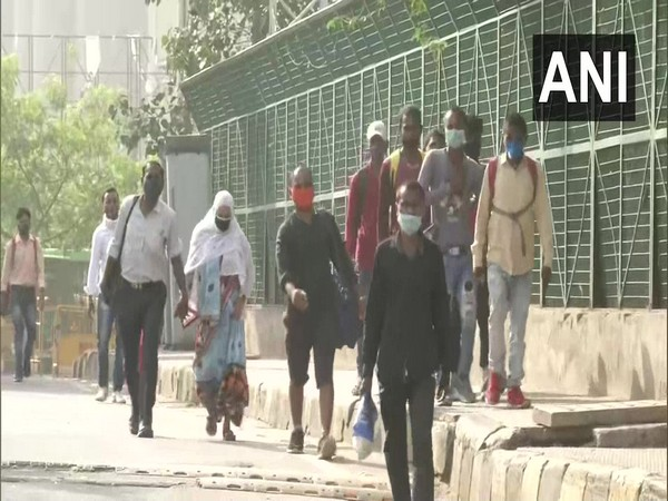 A visual of migrant workers from Anand Vihar ISBT, Delhi  (Photo/ANI)