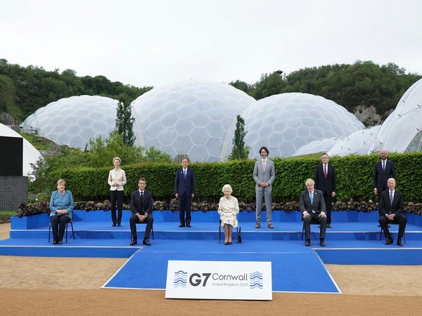 Queen Elizabeth II and other senior members of the royal family met G7 leaders and their partners at a reception in Cornwall.