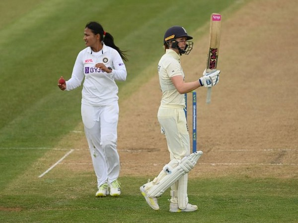 Sneh Rana and Heather Knight in action (Photo/ ICC Twitter)
